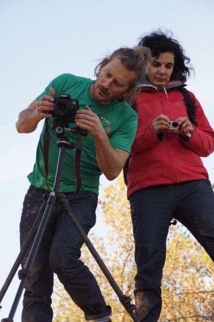l'équipe de tournage concentrée...